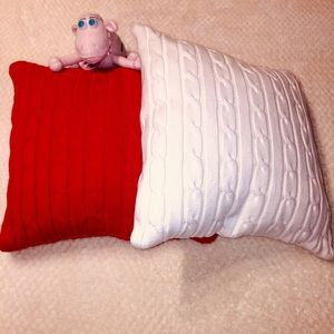 Throw pillow covers 4 pc